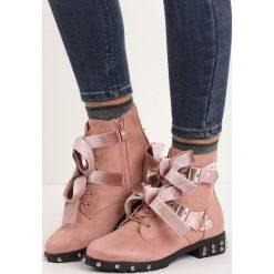 Różowe Botki Glam Madame. Czerwone buty zimowe damskie Born2be, z weluru, na obcasie. Za 99,99 zł.