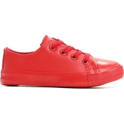 Czerwone Trampki Big Delay. Czerwone buty sportowe chłopięce marki Born2be, z materiału, z okrągłym noskiem, na zamek. Za 24,99 zł.