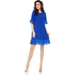 Odzież damska: Wizytowa Sukienka z Ozdobnym Plisowaniem - Chabrowa