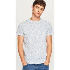 T-shirt we wzory - Kremowy. Białe t-shirty męskie marki Reserved, m. W wyprzedaży za 24,99 zł.