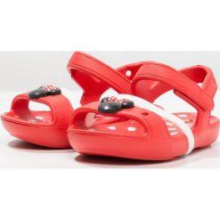 Crocs LINA MINNIE Sandały kąpielowe flame. Czerwone sandały chłopięce marki Crocs, z gumy. Za 149,00 zł.