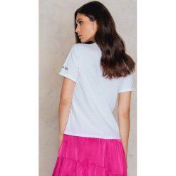 T-shirty damskie: Josefin Ekström for NA-KD T-shirt Palm Trees – White