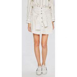 Answear - Spódnica Stripes Vibes. Szare minispódniczki ANSWEAR, l, z elastanu, rozkloszowane. W wyprzedaży za 69,90 zł.