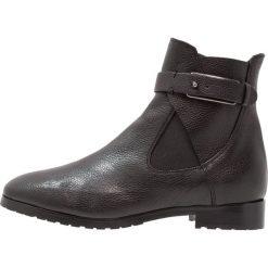 Erika Rocchi Botki nero. Czarne buty zimowe damskie Erika Rocchi, z materiału. W wyprzedaży za 629,85 zł.
