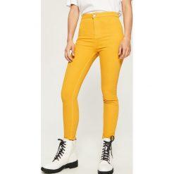 Rurki damskie: Spodnie skinny - Żółty
