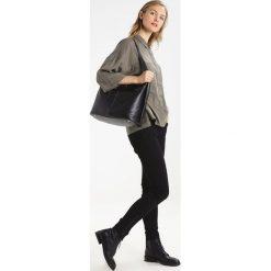 Shopper bag damskie: Karen Millen DISC FASTENING COLLECTION LARGE SLING Torba na zakupy black