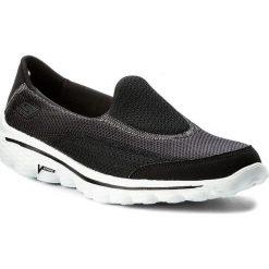 Buty SKECHERS - Go Walk 2 13590/BKW Black/White. Czarne buty do fitnessu damskie Skechers, z materiału. W wyprzedaży za 209,00 zł.
