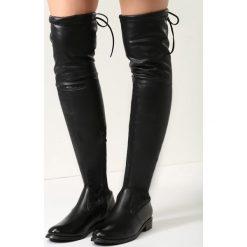 Czarne Kozaki Sorry Not Sorry. Czarne buty zimowe damskie vices, na płaskiej podeszwie. Za 149,99 zł.
