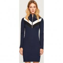 Dzianinowa sukienka mini - Granatowy. Niebieskie sukienki dzianinowe marki Reserved, l, mini. Za 59,99 zł.