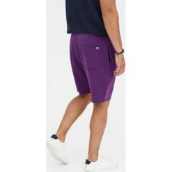 Kolorowe bermudy jogging basic. Fioletowe bermudy męskie marki Reserved, l, z bawełny. Za 49,90 zł.