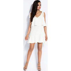 Sukienki balowe: Biała Sukienka Wiązana na Ramionach z Falbanką