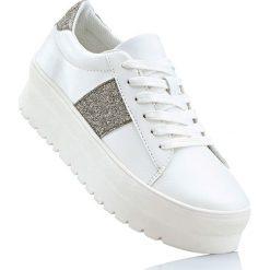 Sneakersy na podeszwie platformie bonprix biało-srebrny. Białe sneakersy damskie bonprix. Za 79,99 zł.