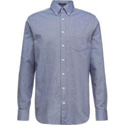 GANT THE OXFORD Koszula evening blue. Niebieskie koszule męskie GANT, m, z bawełny. Za 379,00 zł.