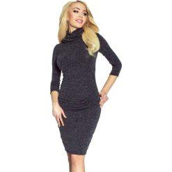 Sukienki: Gaby Sukienka sweterkowa drapowana na biodrach z golfem czarny