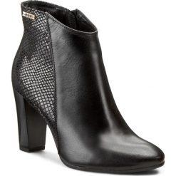 Botki A.J.F. - 00786 Czarny Lico Carmene. Czarne buty zimowe damskie A.J.F., z lakierowanej skóry, na obcasie. W wyprzedaży za 239,00 zł.