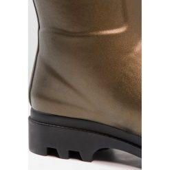 Aigle AIGLENTINE Kalosze goldbronze/noir. Brązowe kalosze damskie Aigle, z kauczuku. W wyprzedaży za 439,20 zł.