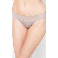 Calvin Klein Underwear - Stringi. Różowe stringi marki Calvin Klein Underwear, l, z dzianiny. W wyprzedaży za 69,90 zł.