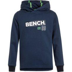 Bench HOODIE Bluza z kapturem dark navy blue. Szare bluzy chłopięce rozpinane marki Bench, z bawełny, z kapturem. W wyprzedaży za 188,10 zł.