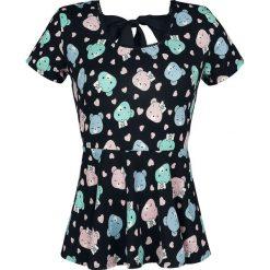 Troskliwe Misie Heads Allover Koszulka damska wielokolorowy. Szare bluzki z odkrytymi ramionami marki QUIOSQUE, z nadrukiem, z dzianiny, z dekoltem na plecach, z krótkim rękawem. Za 74,90 zł.