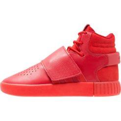 Adidas Originals TUBULAR INVADER Tenisówki i Trampki wysokie scarlet/core red. Czerwone tenisówki męskie marki adidas Originals, z materiału. W wyprzedaży za 169,50 zł.