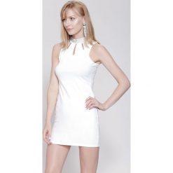 Sukienki hiszpanki: Biała Sukienka Show Goes On