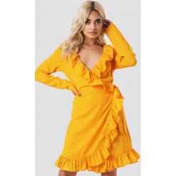 NA-KD Boho Sukienka w groszki - Yellow. Czerwone sukienki boho marki Mohito, l, z materiału, z falbankami. Za 202,95 zł.