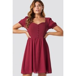 Trendyol Sukienka mini z guzikami - Red. Szare sukienki mini marki Trendyol, na co dzień, z elastanu, casualowe, dopasowane. Za 161,95 zł.