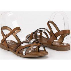 Klasyczne brązowe sandały SMALL SWAN odcienie brązu i beżu. Brązowe sandały damskie marki SMALL SWAN. Za 59,90 zł.