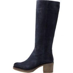 Pinto Di Blu Kozaki na platformie dark blue. Czarne buty zimowe damskie marki Kazar, z futra, przed kolano, na wysokim obcasie, na koturnie. Za 609,00 zł.