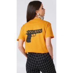 NA-KD T-shirt Bang Bang - Orange. Pomarańczowe t-shirty damskie NA-KD, z nadrukiem, z bawełny, z okrągłym kołnierzem. Za 72,95 zł.