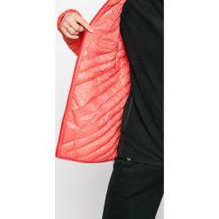 Salewa - Kurtka puchowa. Różowe kurtki damskie pikowane marki Salewa, z materiału, z kapturem. W wyprzedaży za 649,90 zł.