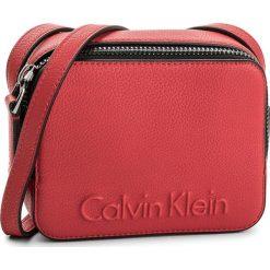 Torebka CALVIN KLEIN - Edge Small Crossbody K60K604004  618. Czerwone listonoszki damskie Calvin Klein, ze skóry ekologicznej. W wyprzedaży za 269,00 zł.