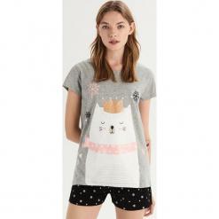 Dwuczęściowa piżama z misiem - Szary. Szare piżamy damskie Sinsay, l. Za 39,99 zł.