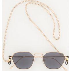 Okulary przeciwsłoneczne z łańcuszkiem - Złoty. Szare okulary przeciwsłoneczne damskie lenonki marki ORAO. Za 59,99 zł.
