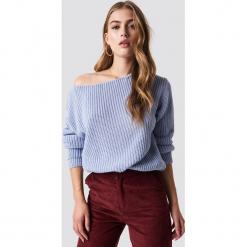 Glamorous Sweter z odkrytymi ramionami - Blue. Różowe swetry oversize damskie marki Glamorous, z nadrukiem, z asymetrycznym kołnierzem, asymetryczne. Za 141,95 zł.