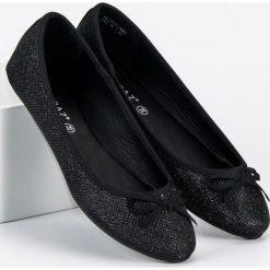 Baleriny damskie lakierowane: Eleganckie czarne baleriny MERG