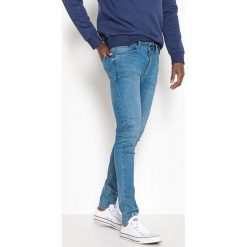 Jeansy skinny extra stretch. Niebieskie rurki męskie La Redoute Collections. Za 176,36 zł.