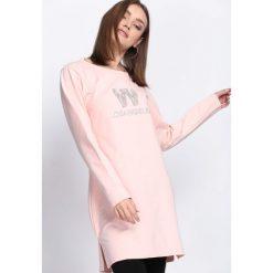 Różowa Tunika Follow My Lead. Czerwone tuniki damskie z długim rękawem marki bonprix. Za 44,99 zł.