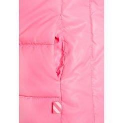 Billieblush Kurtka puchowa fuchsia. Czerwone kurtki chłopięce zimowe Billieblush, z materiału. W wyprzedaży za 359,25 zł.