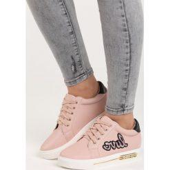 Różowe Buty Sportowe In Love. Czerwone buty sportowe damskie marki Born2be, z materiału. Za 69,99 zł.