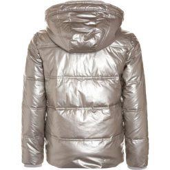 Abercrombie & Fitch COZY PUFFER  Kurtka zimowa silver shine. Szare kurtki chłopięce zimowe Abercrombie & Fitch, z materiału. Za 409,00 zł.