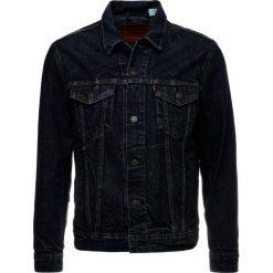 Levi's® THE TRUCKER Kurtka jeansowa darkblue denim. Niebieskie kurtki męskie jeansowe marki Reserved, l. Za 399,00 zł.
