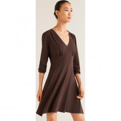 Mango - Sukienka Turquesa. Szare długie sukienki marki Mango, na co dzień, l, z tkaniny, casualowe, z dekoltem halter, na ramiączkach, rozkloszowane. Za 89,90 zł.