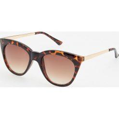 Okulary przeciwsłoneczne - Brązowy. Brązowe okulary przeciwsłoneczne damskie lenonki marki Reserved. Za 39,99 zł.