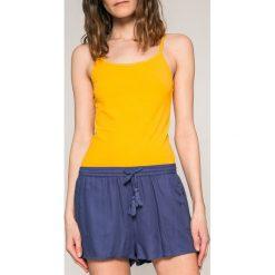 Roxy - Szorty. Pomarańczowe bermudy damskie Roxy, z tkaniny, casualowe. W wyprzedaży za 119,90 zł.