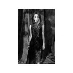 Asymetryczna sukienka z szyfonu. Czarne sukienki asymetryczne Luiza kimak, m, z nadrukiem, z szyfonu, z asymetrycznym kołnierzem, z krótkim rękawem, mini. Za 579,00 zł.
