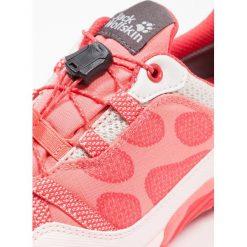 Jack Wolfskin JUNGLE GYM TEXAPORE LOW Obuwie hikingowe flamingo. Pomarańczowe buty sportowe chłopięce Jack Wolfskin, z materiału, outdoorowe. Za 359,00 zł.