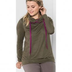 Koszulka w kolorze khaki. Brązowe bluzki asymetryczne Sheego, z długim rękawem. W wyprzedaży za 56,95 zł.