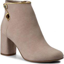 Botki EVA MINGE - Isabell 1E 17SM1372124ES 227. Brązowe buty zimowe damskie Eva Minge, z nubiku, eleganckie. W wyprzedaży za 259,00 zł.