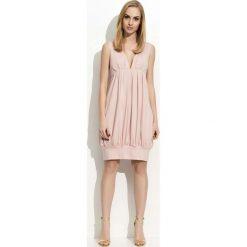 Różowa Sukienka Mini Bombka z Dekoltem w Szpic. Czerwone sukienki mini marki Molly.pl, na co dzień, s, z elastanu, bombki. Za 87,90 zł.